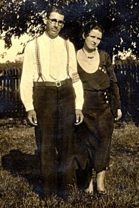 Ellis and Grace c. 1914-1915